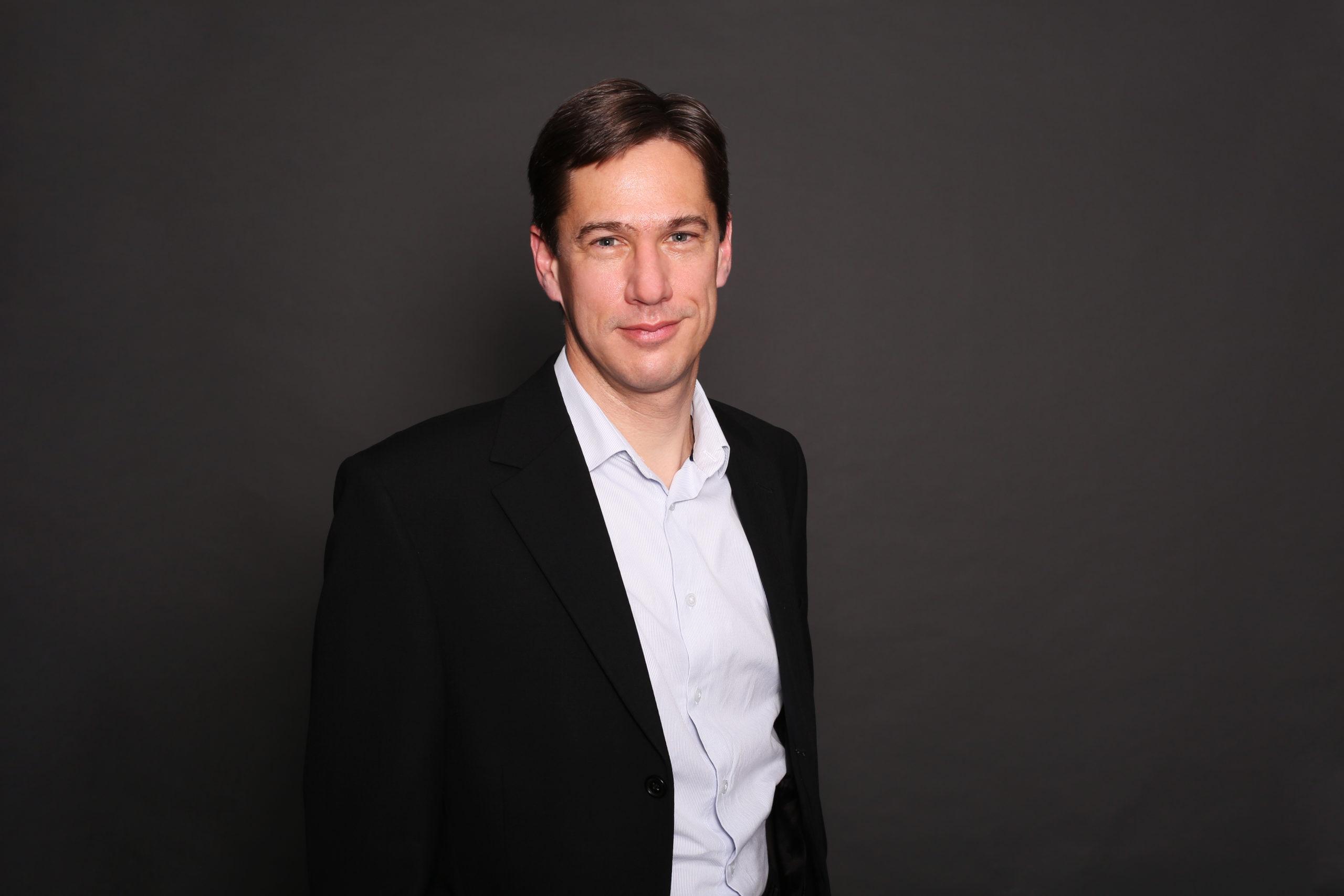 "<a target = ""_blank"" href = ""https://fairtree.com/the-team/operations-team-personal-investor-sa/#heinrich"">Heinrich Jansen van Rensburg</a>"
